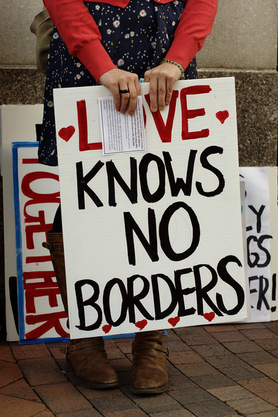 Immigration: community members rally in support of Imelda Valenzuela