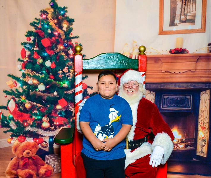 Santa Elmore 2016-12200.jpg