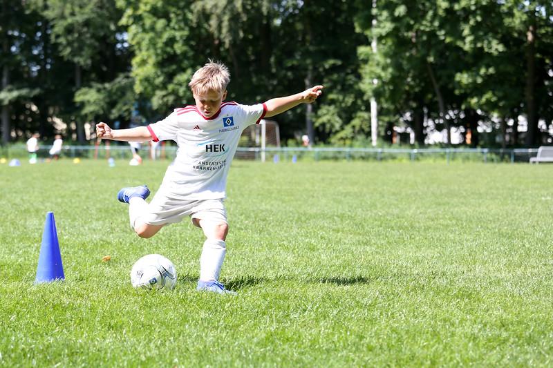 hsv_fussballschule-470_48048025387_o.jpg