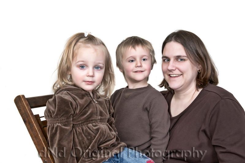 017 Wiley Family Dec 2008 - Brielle Ian Alicia (lowcontraststart lucis twice) (eyes).jpg