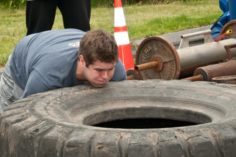 Fitness Revolution Strongman Challenge 2011_ERF4084.jpg