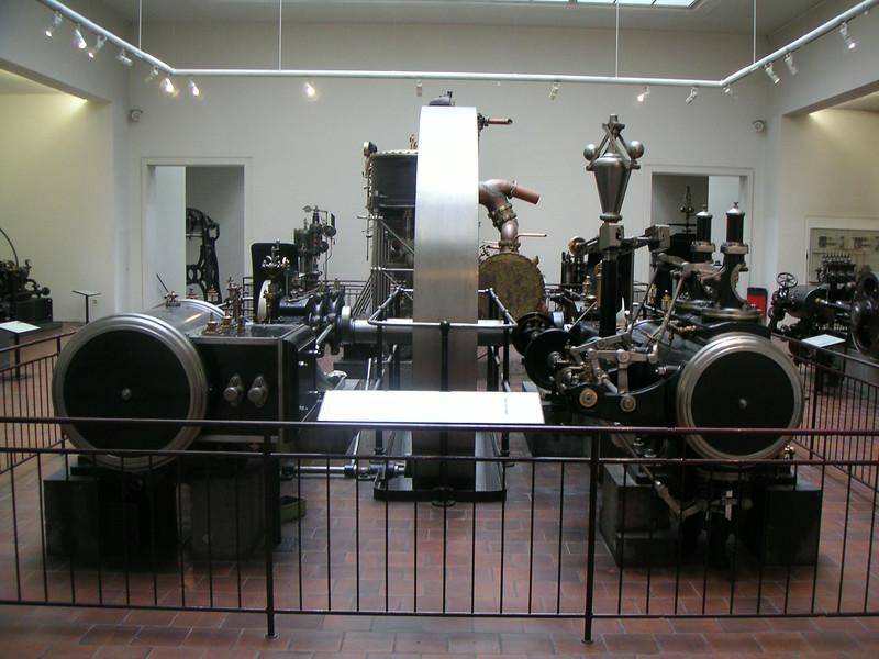 07 Engines.JPG