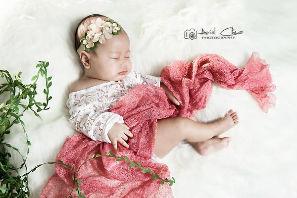 Baby Daenerys Feliz Bien | Glam Studio Shoot