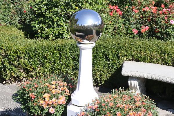 Butchart Gardens - The Rose Garden [3 of 8] - 26 September 2017