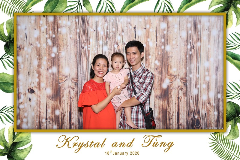 Krystal-Tung-wedding-instant-print-photo-booth-in-Ho-Chi-Minh-City-Chup-hinh-lay-lien-Tiec-cuoi-WefieBox-Photobooth-Vietnam-052.jpg