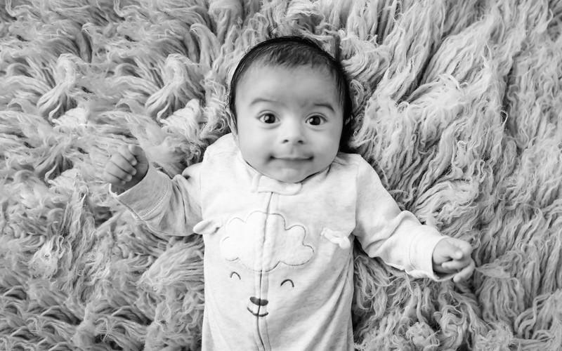 bwwwwnewport_babies_photography_2_months_old-9451-1.jpg