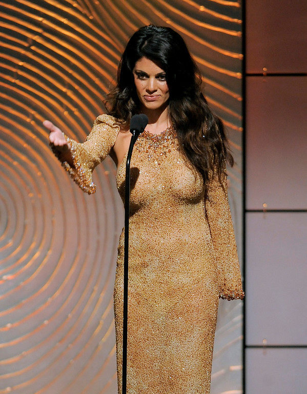 . Lindsay Hartley presents the award for outstanding younger actor in a drama series at the 40th Annual Daytime Emmy Awards on Sunday, June 16, 2013, in Beverly Hills, Calif. (Photo by Chris Pizzello/Invision/AP)