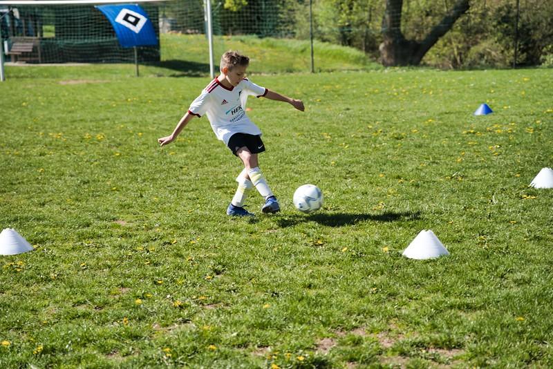 hsv-fussballschule---wochendendcamp-hannm-am-22-und-23042019-y-11_46814457825_o.jpg