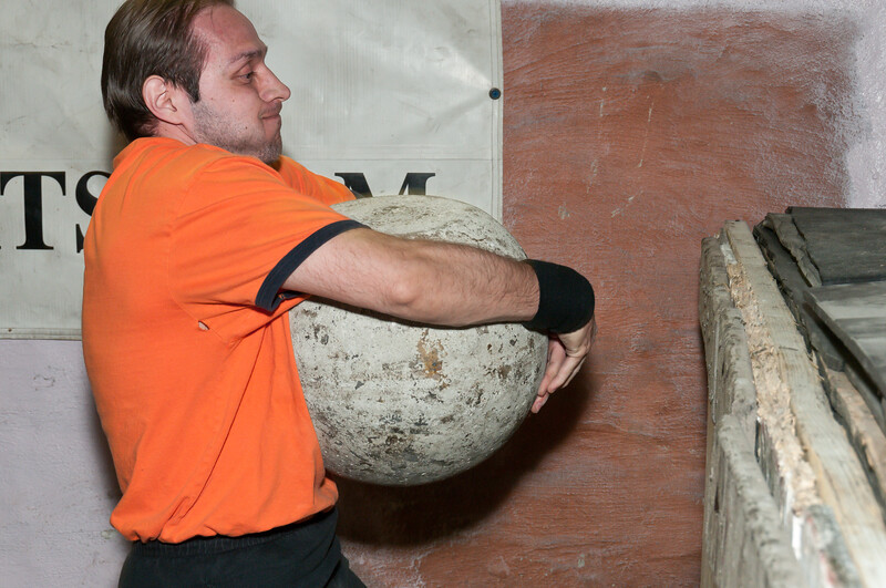 Strongman Saturday 4-14-2012_ERF4332.jpg