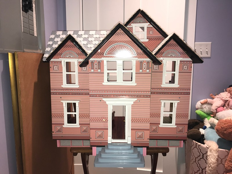 Melissa and Doug Doll house