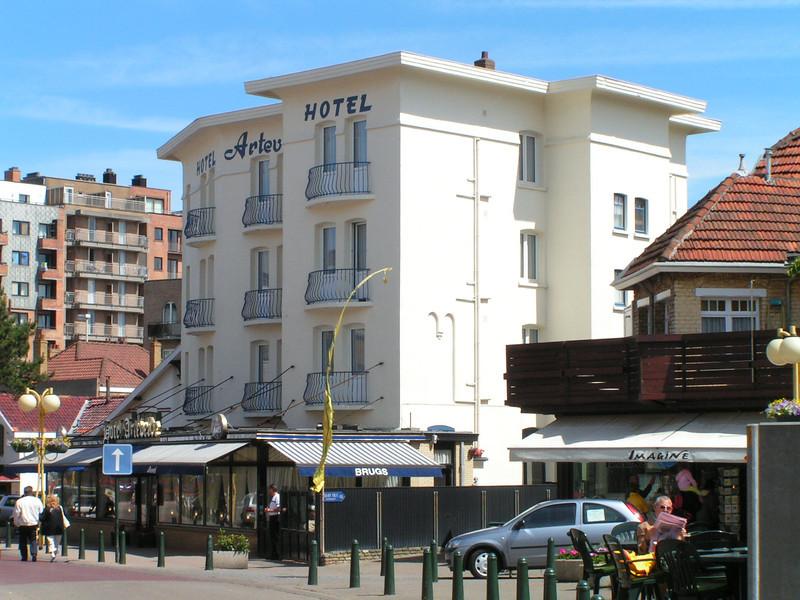 1 Hotel Artevelde Vincent heeft dit gekocht nadat zijn moeder gestopt is.JPG