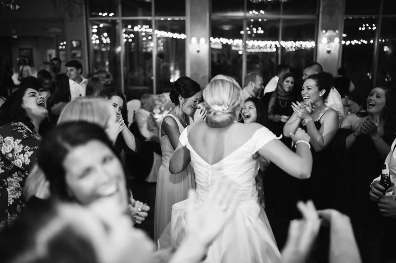 1009_Josh+Emily_WeddingBW.jpg