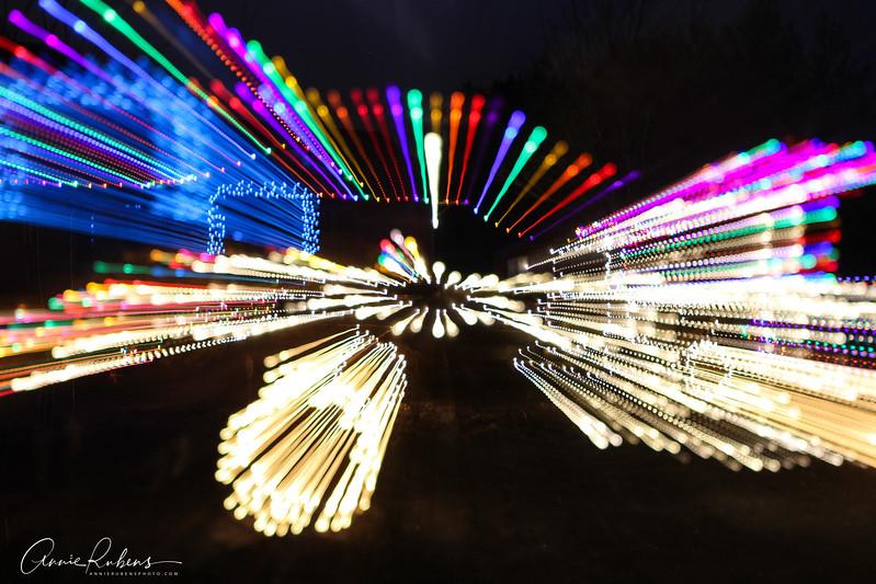Rubens_IMG_0511 christmaslightstruckzoom.jpg