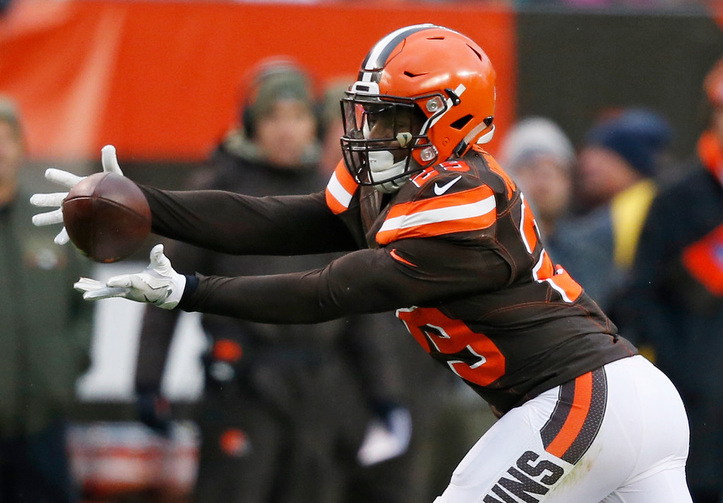 . Cleveland Browns running back Duke Johnson (29) reaches for a pass but can\'t get to it in the second half of an NFL football game against the Jacksonville Jaguars, Sunday, Nov. 19, 2017, in Cleveland. (AP Photo/Ron Schwane)