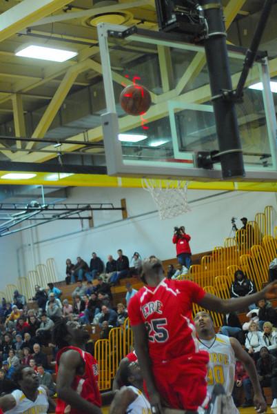20090301_MCC Basketball_5552.JPG