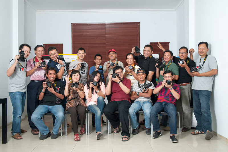 Kupas Tuntas Nikon Minggu, 7 April 2013 pukul 13.00-17.30 WIB Angkatan 22