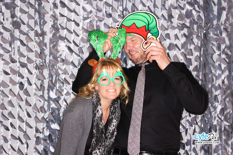 red-hawk-2017-holiday-party-beltsville-maryland-sheraton-photo-booth-0230.jpg