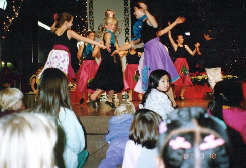Dance_1414_a.jpg