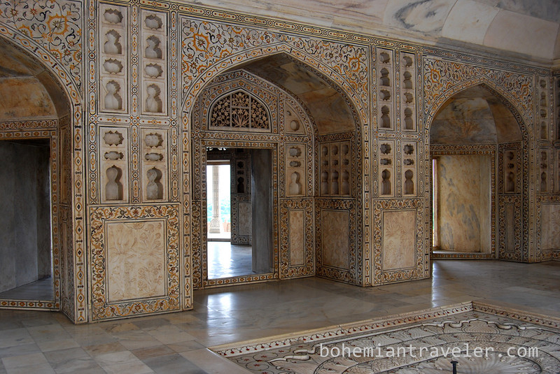 inside Agra Fort (3).jpg