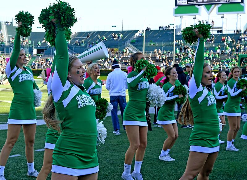 cheerleaders1257.jpg