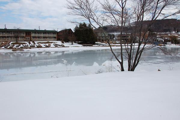 Dave Walks on Water at Deep Creek Feb 2009
