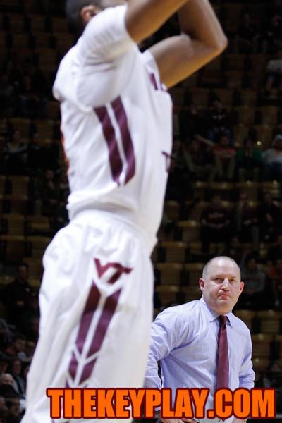 Head coach Buzz Williams looks on as Malik Muller attempts a three point shot. (Mark Umansky/TheKeyPlay.com)