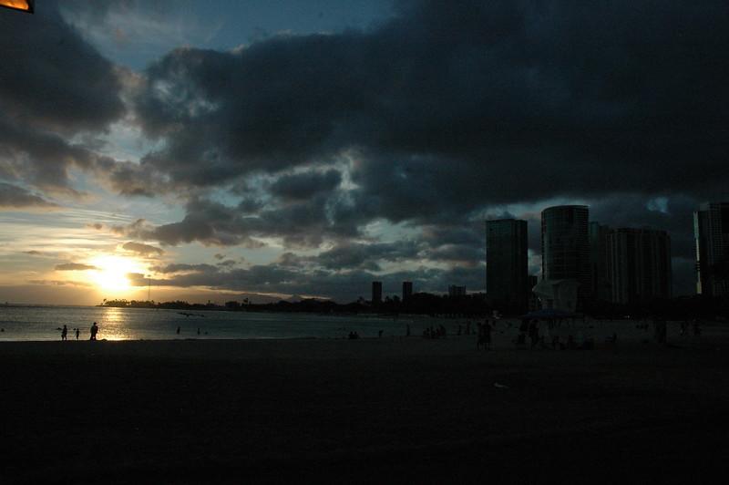 Hawaii - Ala Moana Beach Sunset-13.JPG