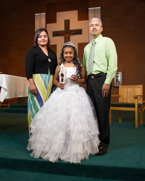 Communion Hispanic-9024-7 8x10.JPG