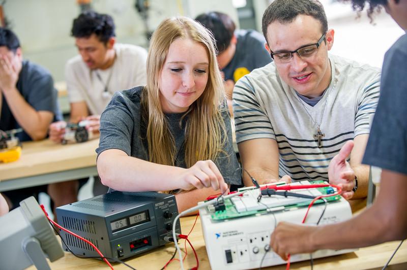 17339-Electrical Engineering-8168.jpg