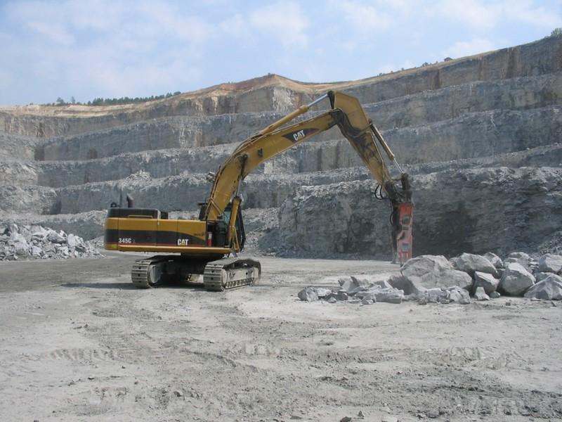 NPK GH18 hydraulic hammer on Cat excavator.jpg