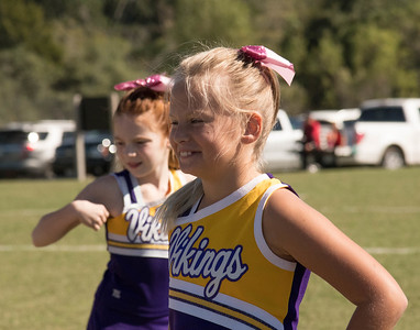 Gabby: Vikings Cheer 10-22-2016