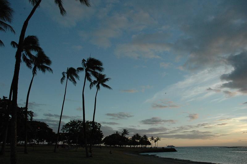 Hawaii - Ala Moana Beach Sunset-19.JPG