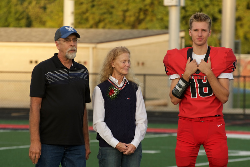 2018_09_28_FootballSeniorNight044.jpg