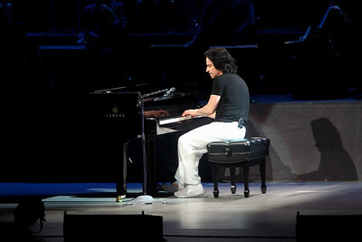 2012.05.12 Yanni
