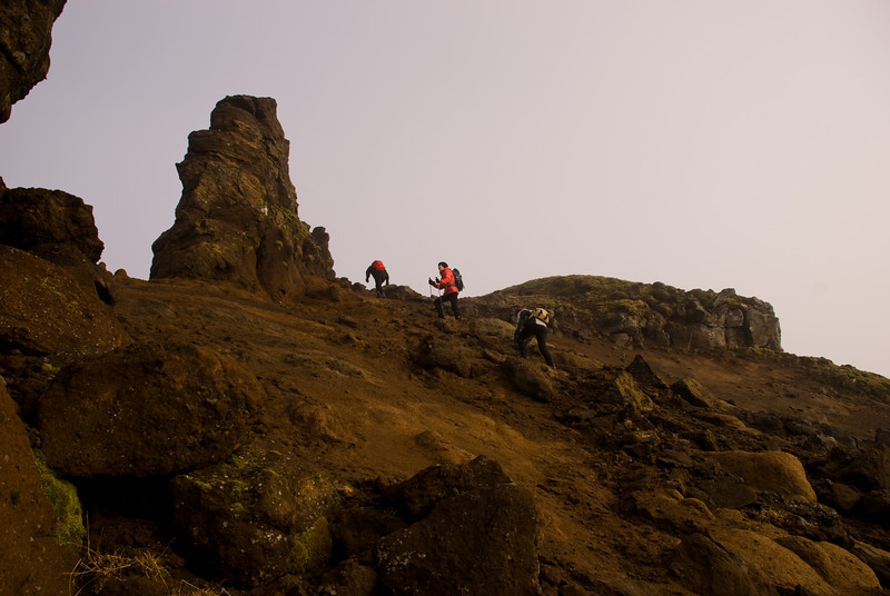 Erna, Þorbjörg og Álfhildur príla upp