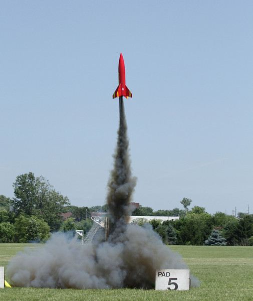 Chris Deem's Big Daddy takes off on an NCR F62-6 motor with black exhaust.  Photo by Greg Smith