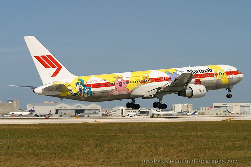 PH-MCL. Boeing 767-31A/ER. Martinair. Miami. 030304.