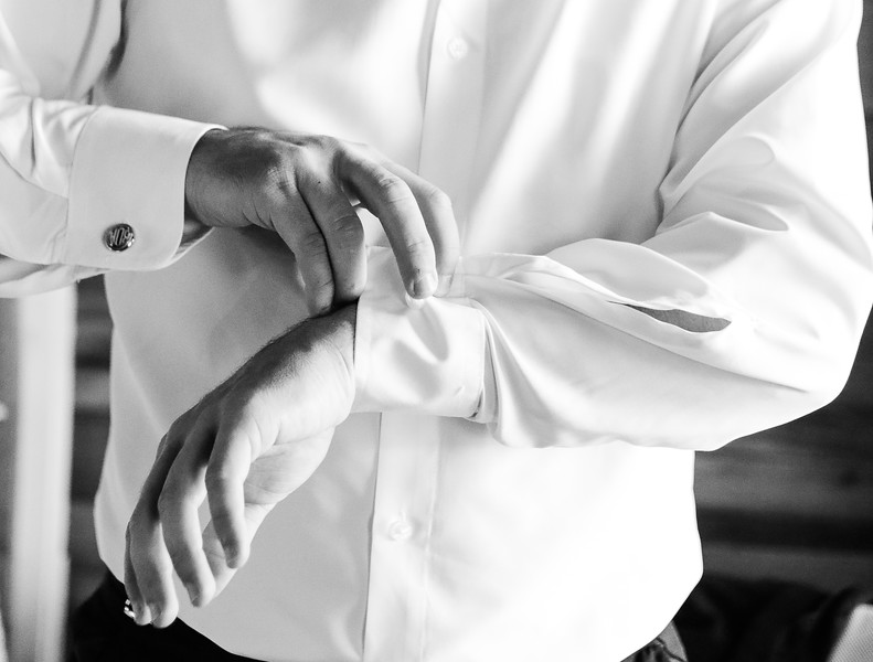 Elegant-Southern-Coastal-Wedding-Neutral-And-White-Details-Photography-By-Laina-Dade-City-Tampa-Area-Wedding-Photographer-Laina-Stafford--16-2.jpg