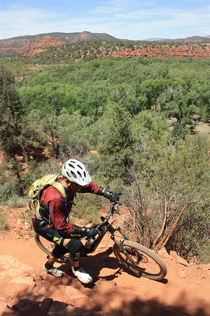 The trek in Sedona, Az (why not bothering yourself in walking with a bike in the mountain?)