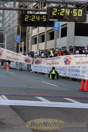 Marathon Finish, Gallery 3 - 2014 Detroit Marathon