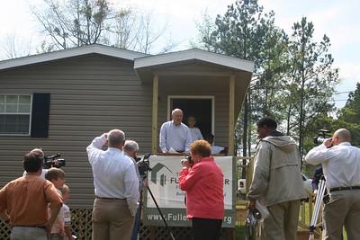08 04 Dedication of  L.C. & Eula Avery Home