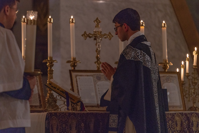 20191114_Requiem_Mass_NDNHP_043.jpg