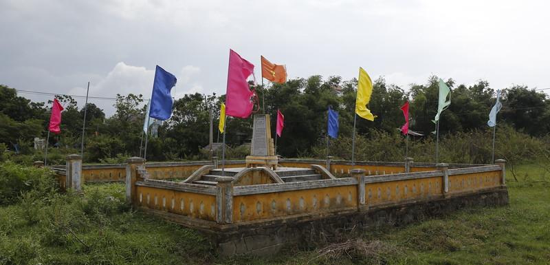 Small war memorial along country road