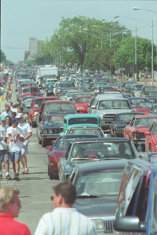 . dream cruise of 96 crowds and cars