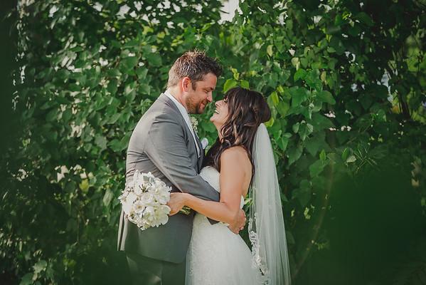 Heritage Prairie Farm Wedding | Leesa + John