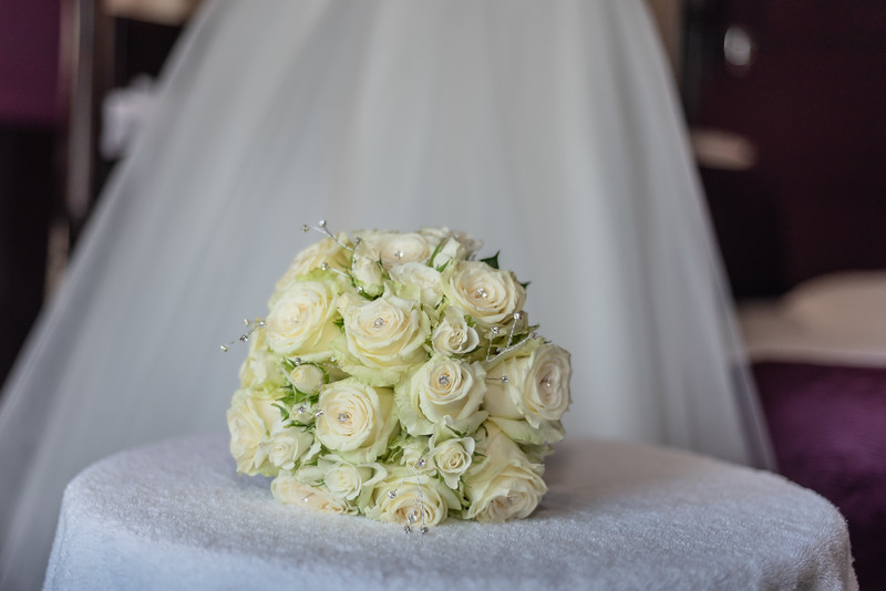 01 Bridal Prep-34.jpg