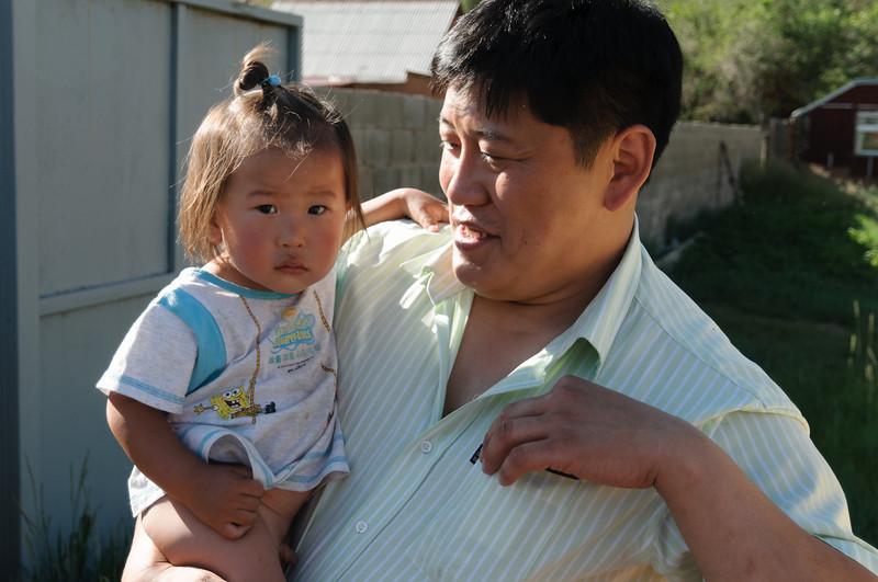 Unser Führer mit seinem Kleinsten.