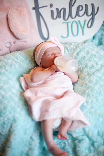ALoraePhotography_BabyFinley_20200120_060.jpg