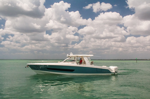 Marine Max - Boston Whaler Slideshow