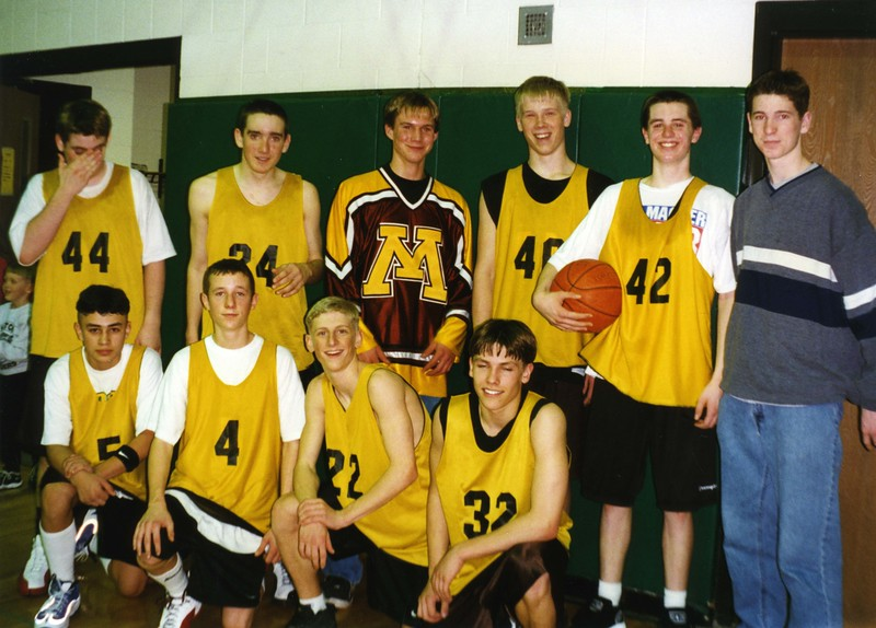 BPW064.  Basketball team – Ben Burgum 22, Brooks Burgum 42 –.jpg